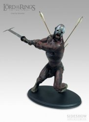 Статуэтка THE LORD OF THE RINGS: Uruk-Hai Berserker Statue 1:6