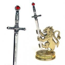 Меч Годрика Гриффиндора с подставкой (Harry Potter Gryffindor Letter Opener with Display Stand Godric Gryffindor)