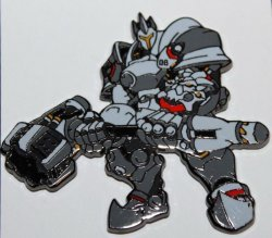 Значок 2016 Blizzcon Exclusive Reinhardt Blizzard Pin